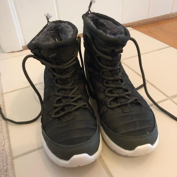Merona Shoes - Army green sneaker boot